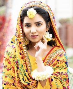 Asian Wedding Dress Pakistani, Pakistani Mehndi Dress, Bridal Mehndi Dresses, Walima Dress, Pakistani Dresses, Bridal Looks, Bridal Style, Haldi Ceremony, Ceremony Dresses