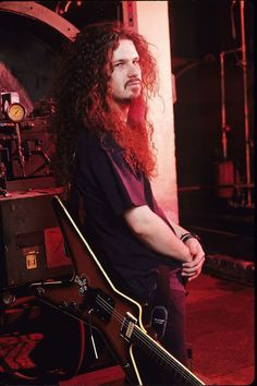 Dimebag Darrell one of the nicest, kindest people I have ever met. I will always remember his beard stories.....