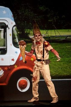 """Ice Cream Man with a Tim Burton twist from """"Face Off"""" on the Syfy channel. Face Off Makeup, Sfx Makeup, Costume Makeup, Crazy Makeup, Makeup Art, Special Makeup, Special Effects Makeup, Halloween Cosplay, Cosplay Costumes"""