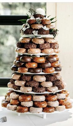 Top 9 Fall Wedding Color Schemes for wedding cake with chocolate an. Top 9 Fall Wedding Color Schemes for wedding cake with chocolate an. Top 9 Fall Wedding Color Schemes for wedding cake with chocolate and orange colors Donut Wedding Cake, Wedding Donuts, Fall Wedding Cakes, Fall Wedding Colors, Wedding Color Schemes, Fall Wedding Desserts, Wedding Cupcakes, Autumn Wedding, Lampoon's Christmas Vacation