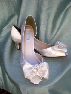 Wedding Shoes Ivory Pearl -- Ivory Wedding shoes -- Low heel on Etsy, $150.00