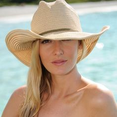 Sun Hats for women at Coco Bay. Looking for a sun hat that will fit well, pack well and look elegant on the beach? Browse our collection of gorgeous linen and straw sun hats for women. Women's Dresses, Dresses Online, Fedora Hat Women, Women Hats, Ladies Hats, Cheap Boutique Clothing, Golf Clothing, Types Of Hats, Summer Hats For Women