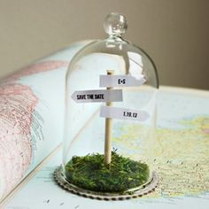 Signpost Save the Dates!    I love this idea, it's so cute! ^_^