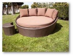 Westhaven Round Chaise  Leisure Select Large Round Outdoor Lounge Chair