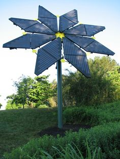 The beautiful Longwood Botanical Gardens, in Kennett Square, Pennsylvania, is in the process of installing 3 MW of solar energy by 2018. Once completed, it will be able to provide 100% of Longwood's electrical needs. Also, it comes with some cool live #solar stats! http://seia.us/Pn0pW7