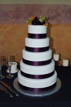 beautiful cake!! We are also thinking of doing huckleberries on the cake!!! LOVe PURPLE!