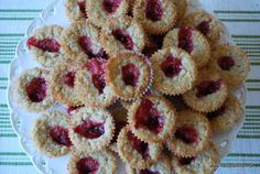 Havrekyssar – Nadjaskitchen.se Bun Recipe, Fika, Food Inspiration, Cookie Recipes, Waffles, Muffins, Bakery, Cheesecake, Deserts