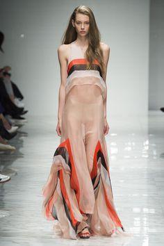 Blumarine Spring 2016 Ready-to-Wear Fashion Show - Lauren de Graaf