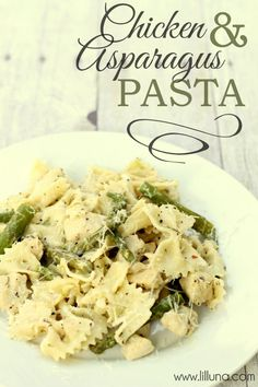 This Chicken and Asparagus Pasta is so good - definitely making again! { lilluna.com } #chicken #pasta
