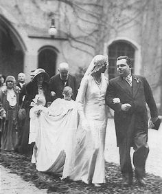 chicvintagebrides: Wedding of Princess Hilda of Luxembourg, daughter of Grand Duke Wilhelm IV and Grand Duchess Marie of Luxembourg (née Infanta Marie Anne of Portugal), younger sister of Grand Duchesses Marie-Adelaide and Charlotte, and her groom, Adolf, 10th Prince of Schwarzenberg, Czechoslovakia, October 29, 1930.