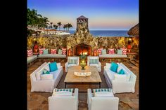 Check out this amazing Luxury Retreats  property in Cabo San Lucas, with 4 Bedrooms and a pool. Browse more photos and read the latest reviews now.