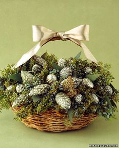 Holiday centerpieces and place settings to dress up your Christmas table. Christmas Table Centerpieces, Christmas Arrangements, Christmas Table Settings, Centerpiece Decorations, Xmas Decorations, Christmas Tablescapes, Graduation Centerpiece, Simple Centerpieces, Candle Centerpieces
