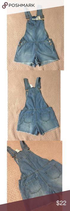 Primark Denim cutoff overall shorts  Super cute denim overalls! Perfect for a casual day! primark Jeans Overalls