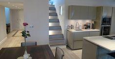 mezzanine cuisine américaine escalier éclairé