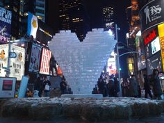 10 Awesome Winter Date Ideas by ToptoBottom Winter Date Ideas, Love Statue, Nyc Art, Dating Advice, Marriage, Awesome, Happy Holidays, Relationships, Valentines