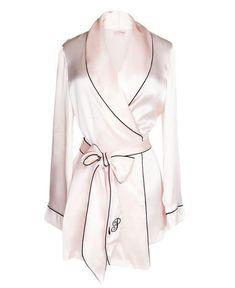 Foto 01 Silk Robe, Agent Provocateur 18720 r . Sleepwear Women, Lingerie Sleepwear, Nightwear, Pretty Lingerie, Vintage Lingerie, Luxury Lingerie, Sexy Lingerie, Designer Lingerie, Luxury Designer