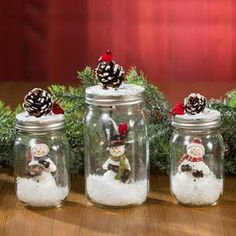 Awesome Christmas deco info are offered on our site. Read more and you wont be sorry you did. Mason Jar Christmas Crafts, Christmas Centerpieces, Mason Jar Crafts, Mason Jar Diy, Diy Christmas Gifts, Christmas Projects, Christmas Fun, Holiday Crafts, Christmas Ornaments