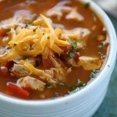 Crock Pot Chicken Fajita Soup - Low Carb Crock Pot Chicken Fajita Soup Recipe Fajita Soup Recipe, Chicken Fajita Soup, Chicken Meal Prep, Keto Crockpot Recipes, Slow Cooker Recipes, Soup Recipes, Ketogenic Recipes, Ketogenic Diet, Gumbo