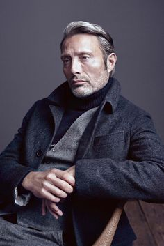 """Mads Online lady-wilwarin: """" Mads Mikkelsen for the holiday issue of Alexa (x) """" Foto Portrait, Portrait Studio, Business Portrait, Poses For Men, Male Poses, Boy Poses, Style Masculin, Shooting Photo, Mads Mikkelsen"""