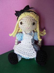 Amigurumi Alice in Wonderland - FREE Crochet Pattern / Tutorial