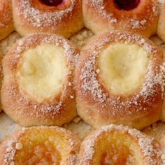 Cottage Cheese Kolache Filling We love this sweet, creamy filling for our Texas kolaches recipe. Slovak Recipes, Czech Recipes, Russian Recipes, Strudel, Apricot Kolache Recipe, Kolache Recipe Czech, Cottage Cheese Recipes, Breakfast Recipes, Gourmet