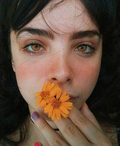 Golden eyes | Dark hair | Character inspiration