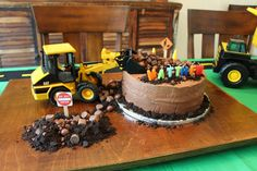 Matthew's construction birthday cake: