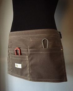 Our durable STYLIST Waxed Waist Apron is our best seller for straightforward utility and hands-free mobility. Hairstylist Apron, Cafe Apron, Tool Apron, Waitress Apron, Work Aprons, Waist Apron, Burlap Bags, Sewing Aprons, Apron Pockets