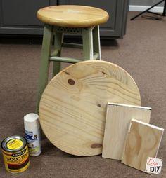 How to hack an old bar stool bar stool makeover Redo Furniture, Old Bar, Patio Bar Set, Bar Stool Makeover, Diy Stool, Diy Decor, Wood Diy, Wood Chair Makeover, Diy Furniture Table