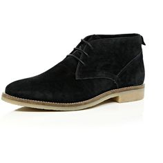 River Island Black suede chukka boots (2.390 RUB) ❤ liked on Polyvore featuring men's fashion, men's shoes, men's boots, sale, mens black suede chelsea boots, mens suede chukka boots, mens shoes chukka boots, mens chukka boots and mens suede lace up boots
