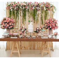 """366 curtidas, 7 comentários - Um dia de Festa (@umdiadefesta) no Instagram: """"Mini wedding, lindo! . . . Via @amaislindafesta Por @mika.atelie - Nosso primeiro #miniwedding…"""""""