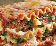 Vegetarian Crock Pot meal....Spinach Mushroom Lasagna...sounds pretty good to me!