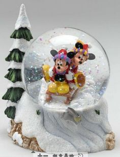Disney Mickey and Minnie Sledding Snowglobe