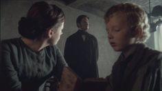 Mr.Thornton vai a casa de Higgins p/averiguar se o que disse era verdade e se desculpar pelas suas grosserias.Ele então pede a Higgins que trabalhe p/ele