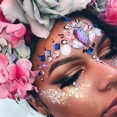 GLITTER IS LIFE ✨ #pbhairuniverse #pinkboutique #pinkboutiqueuk #GlitterSparkle