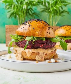 Krémes sült cékla   Street Kitchen Green Kitchen, Hot Dog, Salmon Burgers, Baking Recipes, Feta, Vegetarian Recipes, Bacon, Mango, Curry