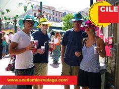 Nuestros queridos estudiantes en la Feria de Agosto! >> www.academia-malaga.com