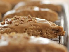 """Maple Oat Nut Scones (Ladies Who Brunch) - """"The Pioneer Woman"""", Ree Drummond on the Food Network. Ree Drummond, Food Network Recipes, Food Processor Recipes, Cooking Recipes, Biscotti, Oatmeal Scones, Mini Scones, Pioneer Woman Recipes, Pioneer Women"""