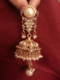 Hey, I found this really awesome Etsy listing at https://www.etsy.com/listing/186880124/gold-indian-kundan-earrings-with-pearls