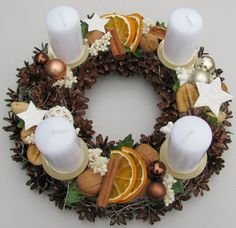 Most current Images christmas Advent Wreath Style Many churches variety a strong Advent-wreath-making event with the earliest Thursday in the season. Christmas Advent Wreath, Christmas Candle Decorations, Advent Candles, Xmas Wreaths, Noel Christmas, Christmas Balls, Rustic Christmas, Christmas Crafts, Christmas Shirts