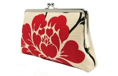 now thats a cool purse for a girl