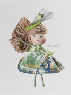 broches de muñeca  tela,alambre artesanal,hecha a mano