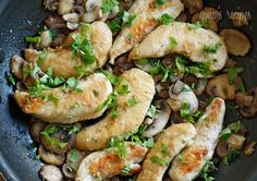 Chicken and Mushrooms in a Garlic White Wine Sauce | Skinnytaste
