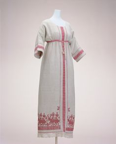 Love the traditional slavic style embroidery on this Paul Poiret day dress (1910-1911) The Kyoto Costume Institute