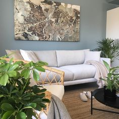 Havu-sohva • @minnahaapakoski • www.finsoffat.fi/tuote/havu-3-istuttava-sohva/ Couch, Inspirational, Furniture, Instagram, Home Decor, Settee, Decoration Home, Room Decor, Sofas
