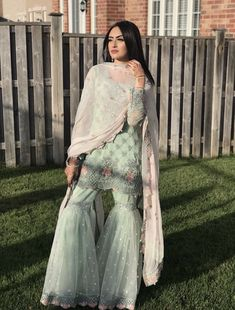 16 Ideas bridal lehenga designs women wear for 2019 Pakistani Party Wear, Pakistani Wedding Outfits, Pakistani Dress Design, Bridal Outfits, Pakistani Dresses, Indian Dresses, Ethnic Outfits, Indian Outfits, Gharara Designs