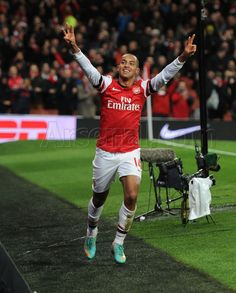 Arsenal 7 Newcastle United 3 - What a goal by Theo! Theo Walcott, Arsenal Fc, Newcastle, Football, Goals, Running, Sports, Soccer, Hs Sports