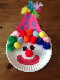 bricolage enfants pas cher et facile: clown en assiette jetable et pompons