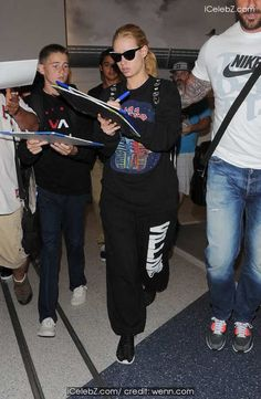 Iggy Azalea At Los Angeles International Airport (LAX) http://icelebz.com/events/iggy_azalea_at_los_angeles_international_airport_lax_/photo1.html