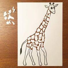 Com apenas uma simples folha de papel e uma caneta, este artista dá vida a cenas que são ao mesmo tempo divertidas e tocantes.